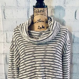 ❄️ Cowneck Lightweight Sweater ❄️